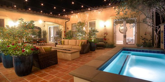 Spanish Courtyard Hot Tub