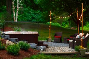 Outdoor hot tub lighting